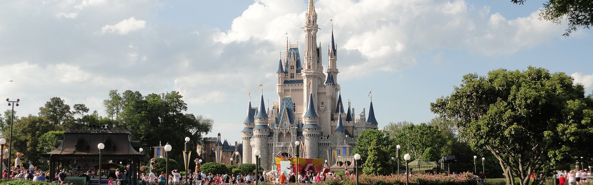 Walt Disney's Magic Kingdom - Cinderella's Castle - Orlando