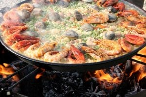 Paella Dish - Mediterranean Diet - Strawberry Holidays - Wellness Breaks