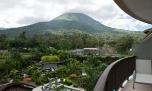 Explore NEW Destinations - Stunning Costa Rica - Strawberry Holidays Blog