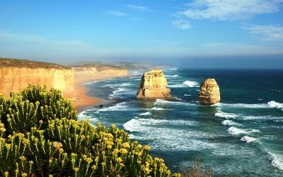 twelve-apostles-great-ocean-road-strawberry-holidays-400x250