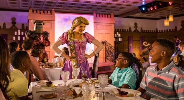 Disney Cruise Line Dining - Strawberry Holidays